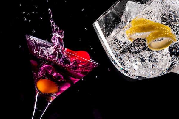 Dos copas brindando