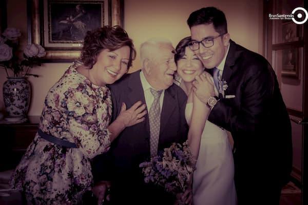 Abuelos y recién casados.