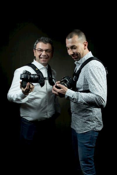 Fotógrafos y sus cámaras.