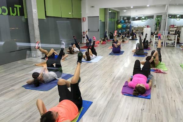 Mujeres haciendo ejercicio.