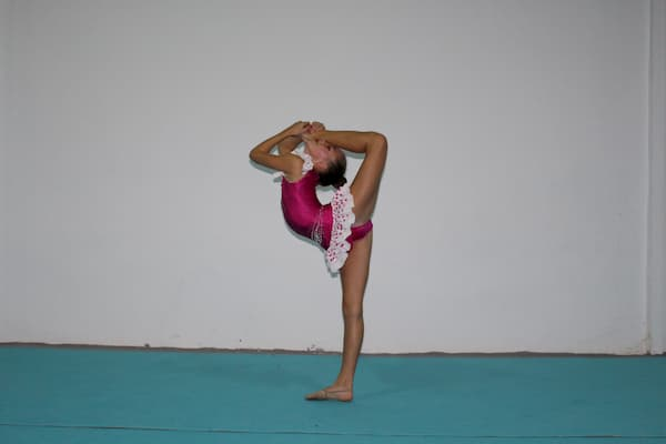 Niña gimnasta.