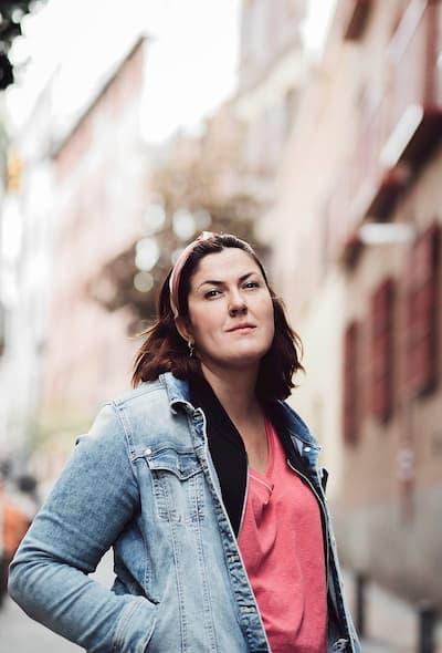 Mujer en la calle.