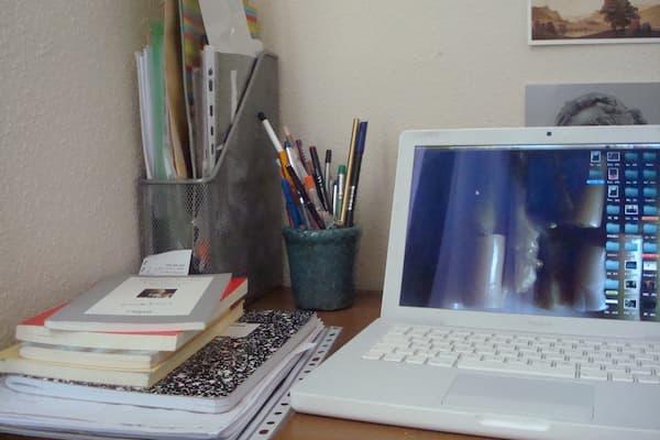 Escritorio y PC.