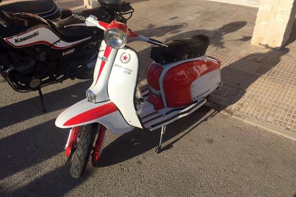 Moto Vespa.